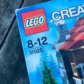 LEGO Creator 31025 Mountain Hut  Sættet er åbnet og samlet, og herefter skilt. Komplet med kasse, manualer og samtlige klodser.