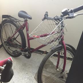 Vélo occasion fille 8 à 12 ans - je suis à Genève - je ne me déplace pas avec le vélo