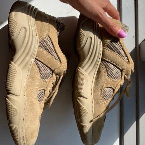 Smukke beige/brune sneaks fra Garmint Projekt sælges da de er købt i forkert str. og derved aldrig er brugt. Købt for lige omkring 1000-1200kr.  Ingen brugsmærker og helt almindelige i størrelsen. Bytter ikke :)