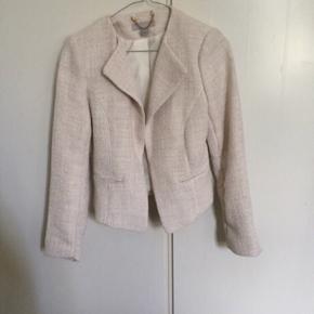 Flot blazer /jakke str 36 fra H&M Sælges for 40kr plus porto