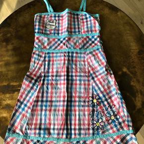 Sødeste kjole i rigtig flot stand, nypris 600 kr. Mindstepris 150pp.