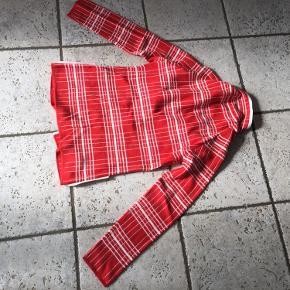 Super fin cardigan/jakke i rød hvide farver 🇩🇰 i bomuld/akryl kvalitet