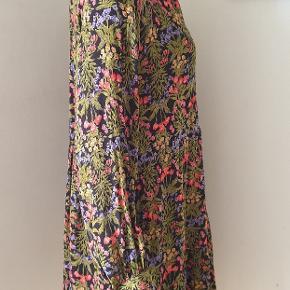 Boii studio kjole model Selma str.XS stor i størrelsen  passer S/M brug 2 gang
