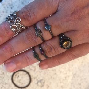 Sterling sølv oxiderede med henholdsvis diamanter, rubiner, smaragder, citrin og topas. Othmar, shamanic, kranz ziegler. Sælger gerne flere samlet billigt... Stkpris 150-200 pp via mobilepay - sælges samlet for 700
