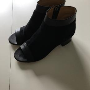 Lækker sandal støvle,brugt et par gange