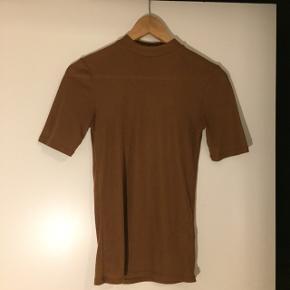 Stribet T-shirt fra Envii. Størrelse S ☺️