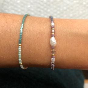 Lilla perle armbånd 🐚 med mini og small ferskvandsperler  Lås: Sterling sølv (25kr) Prisen er fast og inkl Porto med postnord