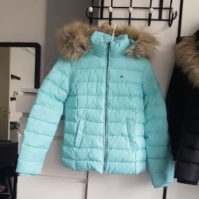 Sælger denne jakke brugt 1 gang np.1800 super sød og flot farve str xs