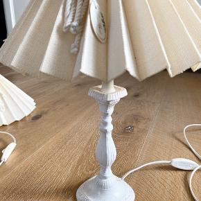 Sælger disse to antikke lamper fra Lene Bjerre. Rigtig fin stand