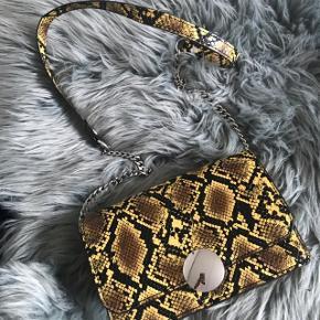 Fed taske fra Zara 💛 kun brugt en enkel aften