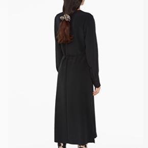 Fineste wrap dress 😊💛