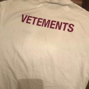 Vetements T-shirt  Cond 7/10  BYD endelig