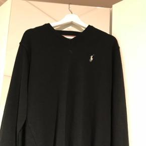 Sælger denne Ralph lauren sweater. Brugt 3 gange og står i perfekt stand