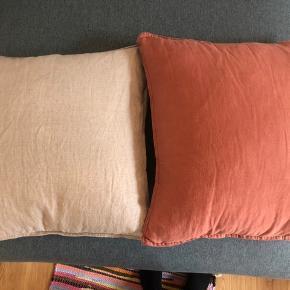 Et par mdr gamle - hør puder - sand farvet og rødlig/ rust farvet (jord farver)