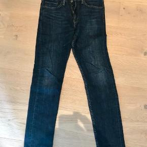 """Varetype: Jeans Størrelse: 31/32"""" Farve: Denim Oprindelig købspris: 800 kr.  Model 510 skinny"""