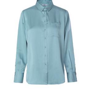 Lækker skjorte fra Envii  Brugt få gange, så den står næsten som ny
