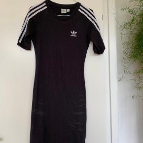 Adidas kjole