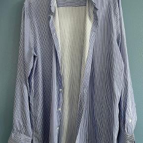 Shaping New Tomorrow skjorte