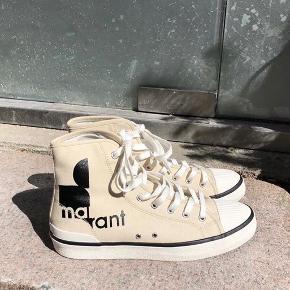 Mega fede sneakers