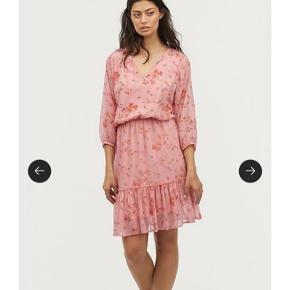Smuk kjole fra Ellos i str. 52  Aldrig brugt