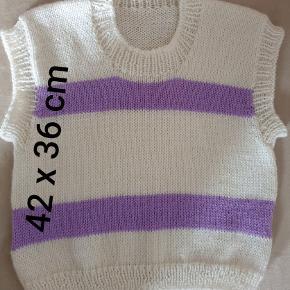 ZiSi hjemmestrikket vest i 100% uld.  Se shop for andre modeller/farver.   Fast pris.   #zerowaste