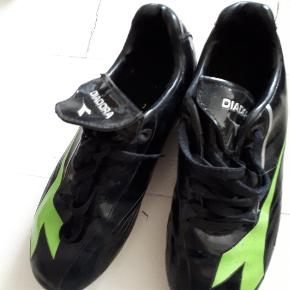 Fodboldstøvler, Kun brugt 5-6 gange.  #30dayssellout
