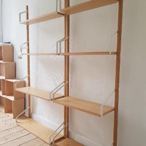 Svalnäs reolsystem fra IKEA. Købt i januar 2 018. Kvittering haves. 1 reol 0.88x1.76. 2 dybe hylder af 25 cm og 2 smalle hylder af 15 cm. I reol 0.66x1.76. 2 dybe hylder af 25 cm og 2 smalle hylder af 15 cm. Nypris 1420,-