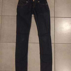 Brand: Papfar's Pige Varetype: Jeans Størrelse: 24 Farve: Blå  Livvidde 68 cm. Style name: SUSAN
