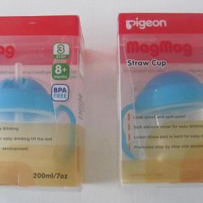 Brand: Pigeon Varetype: babyflasker Størrelse: 8 mdr. Farve: Blå  Pigeon MagMag Straw Cup *2 stk* Fra 8 mdr. Brugt 1 gang. Nypris: 69,95 kr. pr. stk. Pris: 30 kr. pr. stk. eller kom med et bud  Porto:  40 kr. som brev med PostNord  36 kr. som pakke med Coolrunner  39 kr. som pakke med G-porto (GLS) 49 kr. som pakke med G-porto (PostNord)