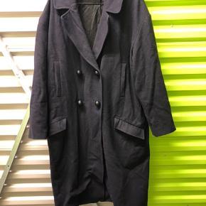 NUE NUE wool coat. Needs some damping