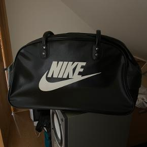 Nike skuldertaske