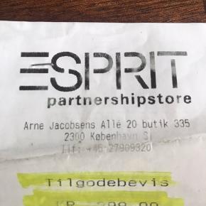 Tilgodebevis på 400 kr til Esprit i Fields.  Sælges for 300 kr (evt plus porto)  Udløber i januar 2022