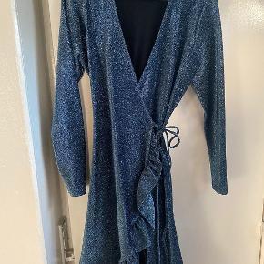 Ganni Baxter limited edition kjole. Ny pris 1800. Aldrig brugt