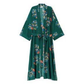 Weekday kimono I smukke farver  Flere str kan passes