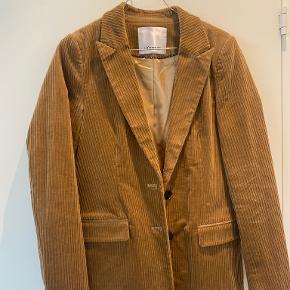 Co'couture blazer