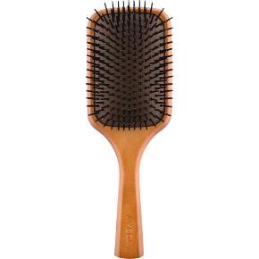 Styling Wooden Paddle Brush fra Aveda  Kun prøvet