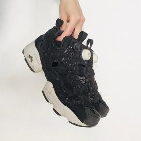 Reebok Insta Pump - limited edition. The condition is pretty good. Color is mainly black with a pattern of mini dots. Very comfy!