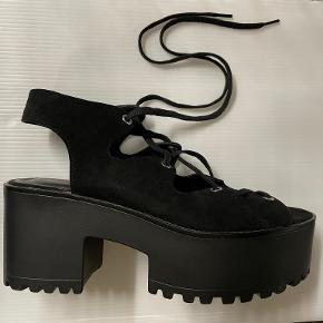 PULL&BEAR sandaler