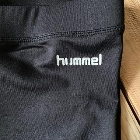 Fejler intet, udover en lille snip af logoet (U'et) er faldet af, som vist på billedet ☀️