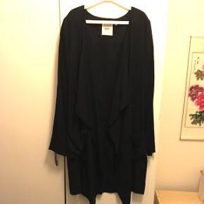 Passes også af str. S Se også mine andre annoncer med bl.a kjoler fra Cos, Zara og Moss Copenhagen