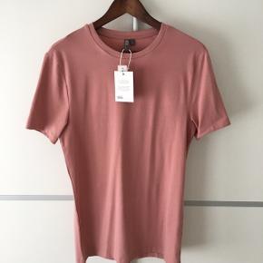 ▪️Muscle 💪🏼fit t-shirt fra ASOS ▪️Str. Medium ▪️Aldrig brugt