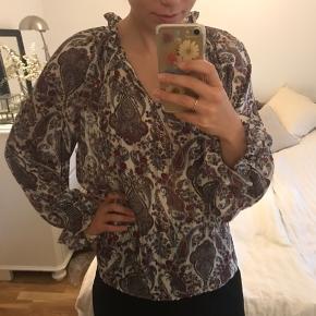 Fin bluse / tunika / top i smult stof