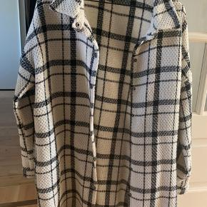 Oversize skjorte/jakke fra Vila