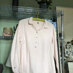 Sød hvid og lyserød stribet skjorte, str L fra Soyaconcept