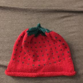 Hjemmelavet jordbær hue. 🍓🧢🧣