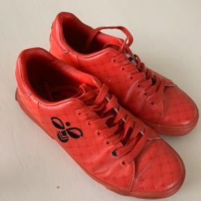 Røde Hummel sko, brugt 3-4 gange