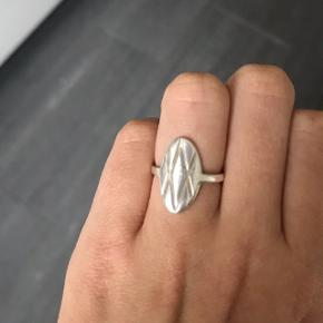Garber V ring Str 49 (xs) Np 449 Mp 150 Virkelig fin ring Sælger fordi jeg ikke går med sølv smykker Sender med dao