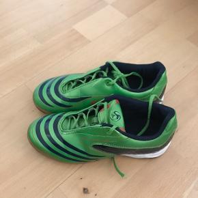 Indendørs fodboldstøvler str 33