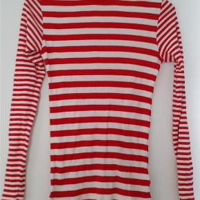 2x2 soft stripe tuqqa mix x-long bluse.  Materiale: 100% bomuld.