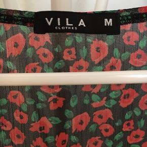 Gammel 3/4 ærmet gennemsigtig bluse fra VILA i blomsterprint